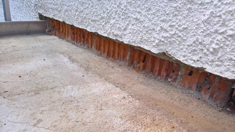 abgeschlagene Fläche Wandputz abgeschnitten