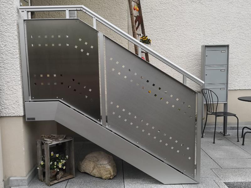 balkon_geissler_aluminium_blech_vorne_durchlaufend_beispiel_04AB