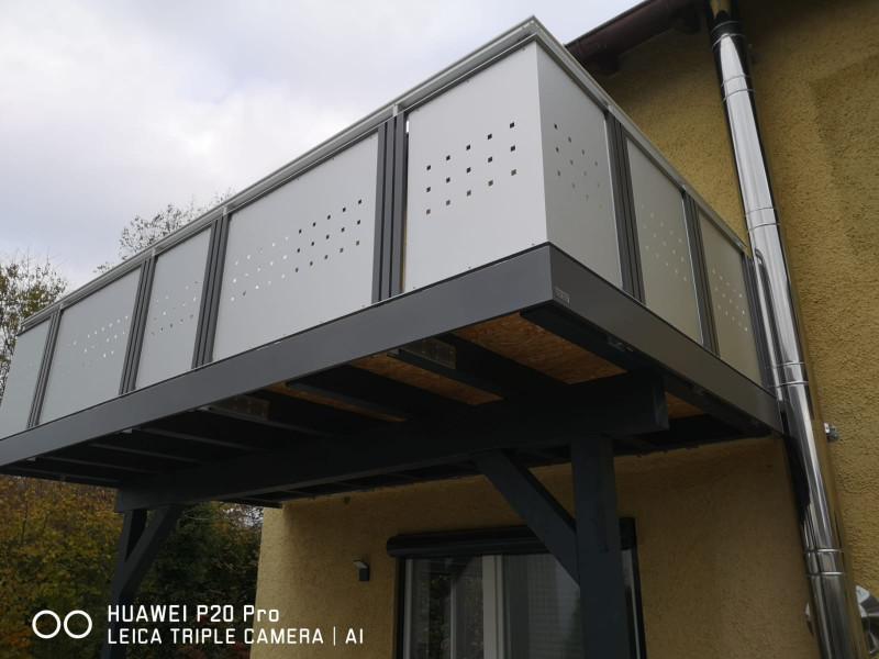 balkon_geissler_aluminium_blech_vorne_durchlaufend_beispiel_08AB