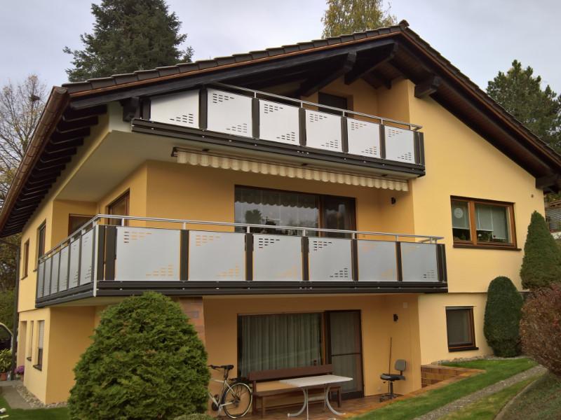 balkon_geissler_aluminium_blech_vorne_durchlaufend_beispiel_11AB