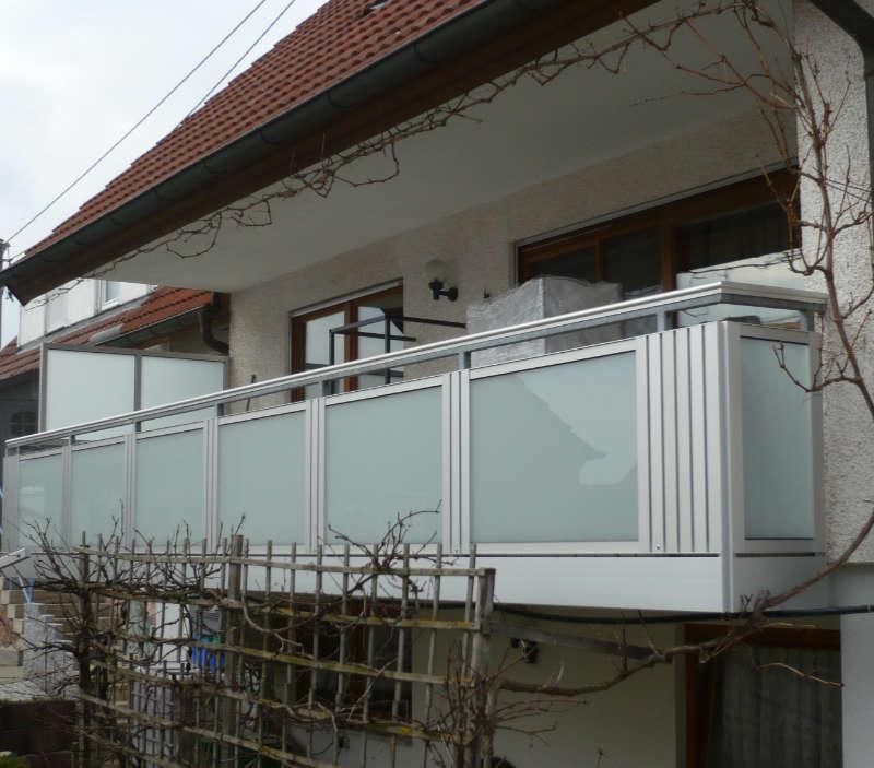 balkon_geissler_aluminium_glas_bestehendes_Geländer_beispiel_01AGbG