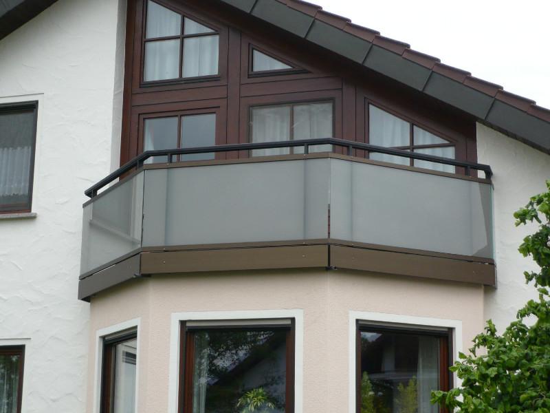 balkon_geissler_aluminium_glas_bestehendes_geländer_beispiel_02AGbG