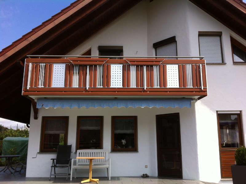 balkon_geissler_aluminium_holzdekor_dekor_beispiel_03AHde