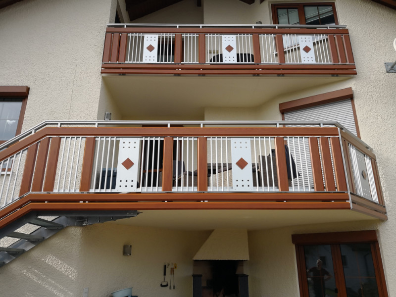 balkon_geissler_aluminium_holzdekor_dekor_beispiel_06AHde