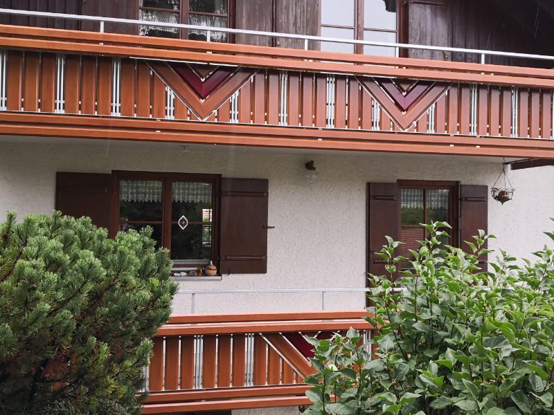 balkon_geissler_aluminium_holzdekor_dekor_beispiel_11AHde