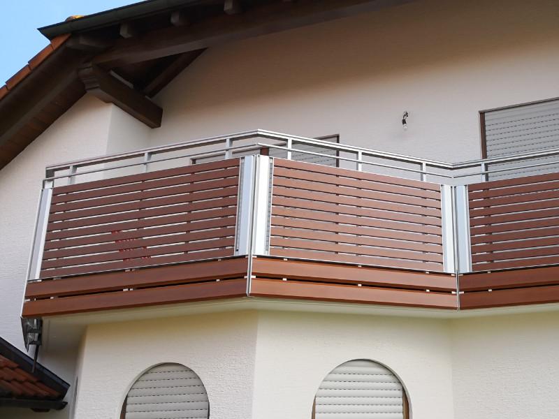 balkon_geissler_aluminium_holzdekor_dekor_beispiel_12AHde