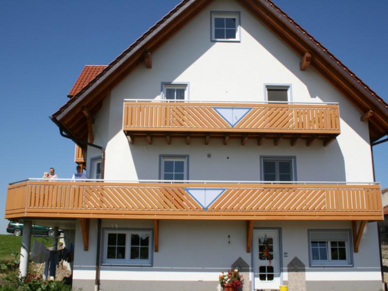 balkon_geissler_aluminium_holzdekor_diagonal_beispiel_02AHdi