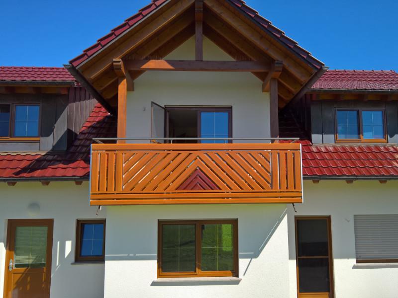 balkon_geissler_aluminium_holzdekor_diagonal_beispiel_03AHdi