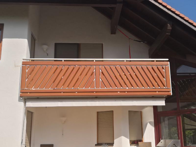 balkon_geissler_aluminium_holzdekor_diagonal_beispiel_05AHdi