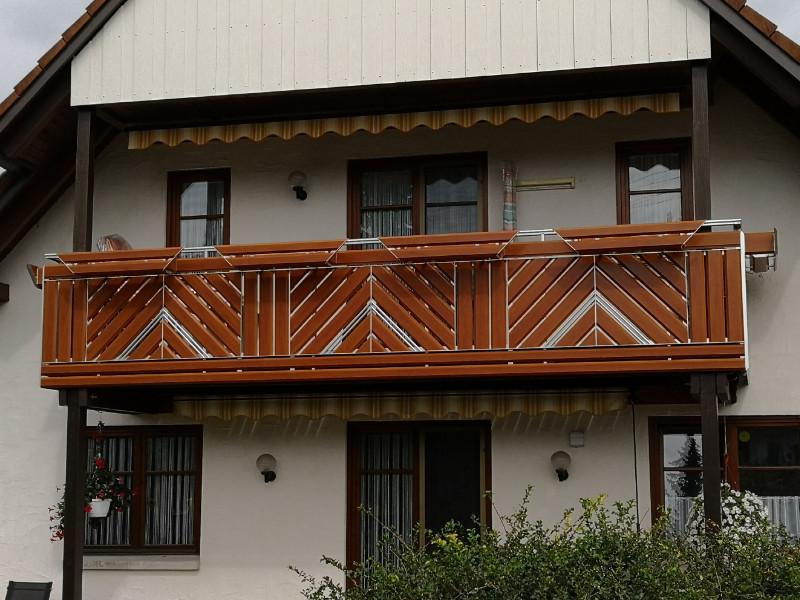 balkon_geissler_aluminium_holzdekor_diagonal_beispiel_06AHdi
