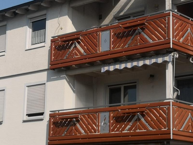 balkon_geissler_aluminium_holzdekor_diagonal_beispiel_13AHdi