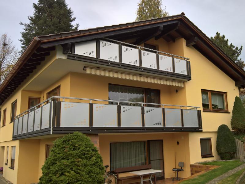 balkon_geissler_aluminium_pulverbeschichtet_dekor_beispiel_03APde