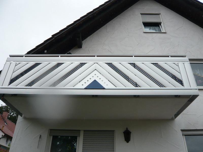 balkon_geissler_aluminium_pulverbeschichtet_diagonal_beispiel_02APdi