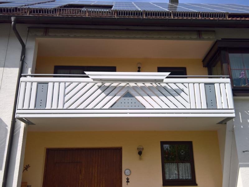 balkon_geissler_aluminium_pulverbeschichtet_diagonal_beispiel_05APdi