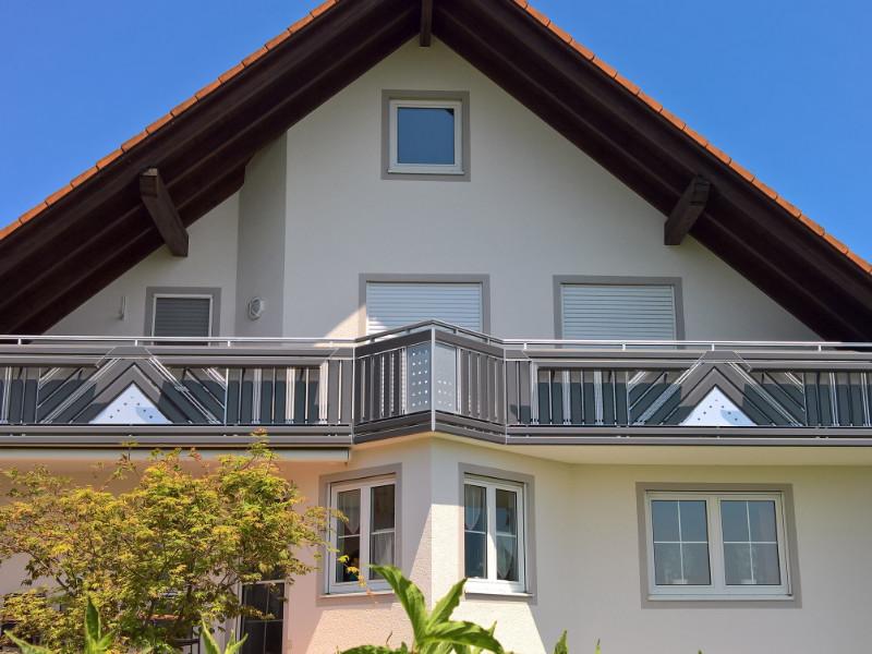 balkon_geissler_aluminium_pulverbeschichtet_diagonal_beispiel_08APdi