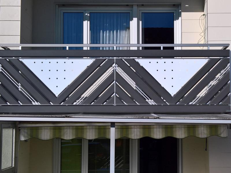 balkon_geissler_aluminium_pulverbeschichtet_diagonal_beispiel_11APdi