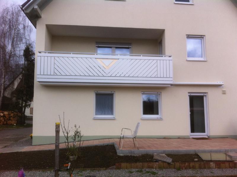 balkon_geissler_aluminium_pulverbeschichtet_diagonal_beispiel_12APdi