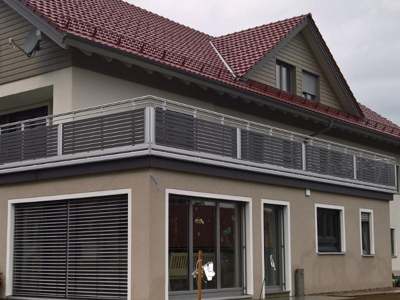 balkon_geissler_aluminium_pulverbeschichtet_quer_beispiel_10APq
