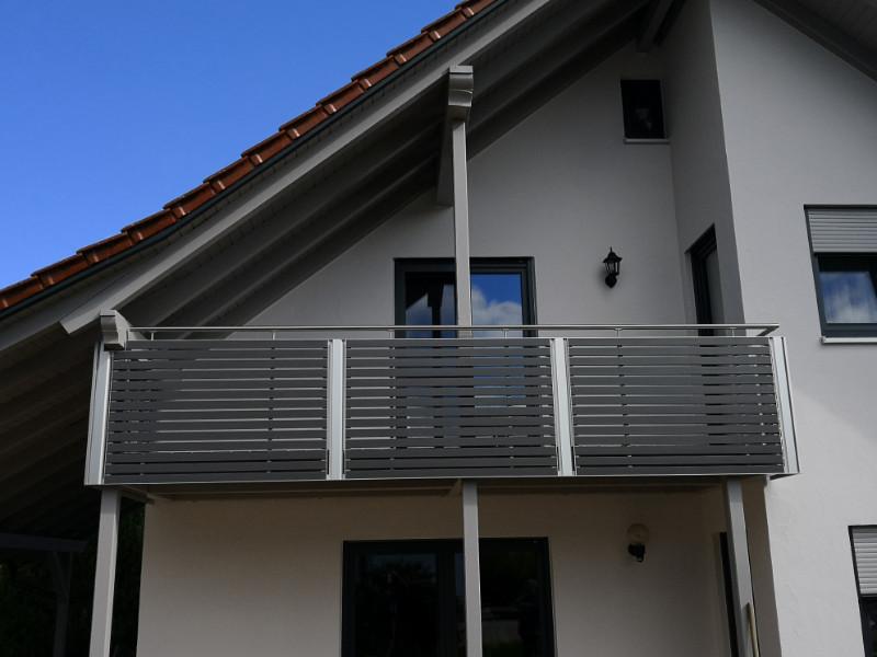 balkon_geissler_aluminium_pulverbeschichtet_quer_beispiel_15Apq