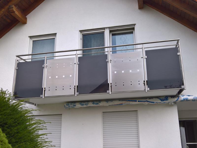 balkon_geissler_edelstahl_mit_blech_glas_beispiel_06EBG