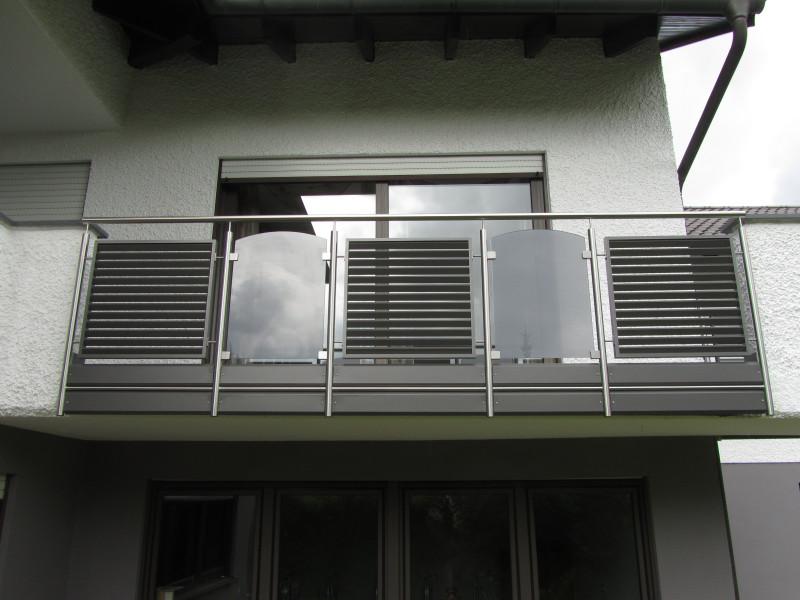 balkon_geissler_edelstahl_mit_glas_aluminium_beispiel_03EGA