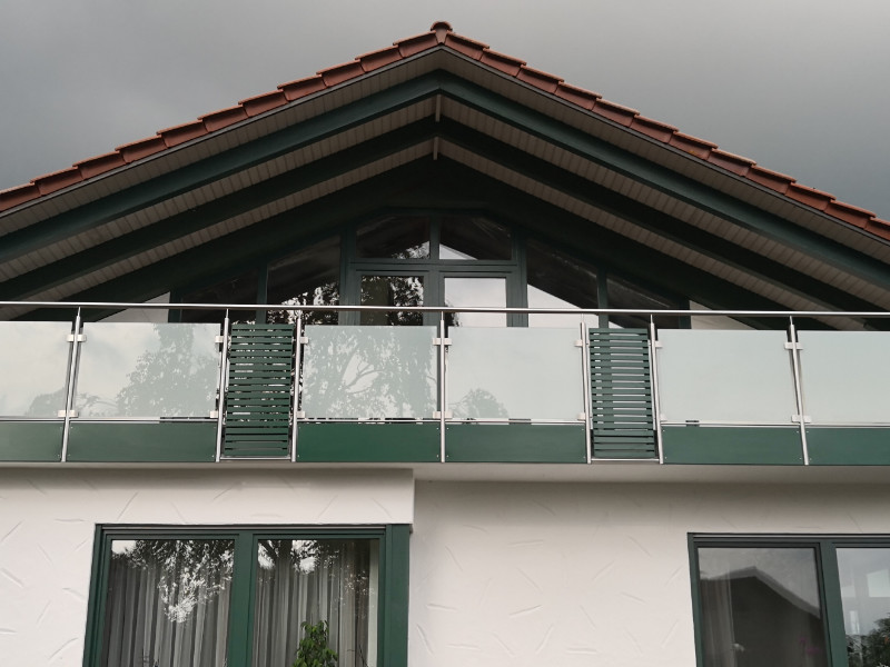 balkon_geissler_edelstahl_mit_glas_aluminium_beispiel_04EGA