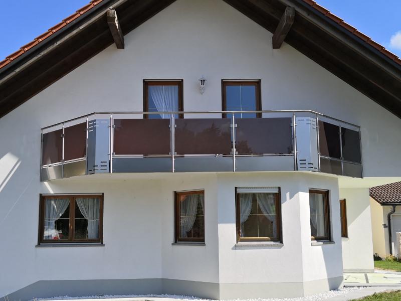 balkon_geissler_edelstahl_mit_glas_colour_beispiel_02EGC