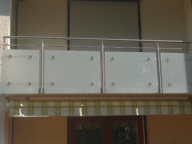 balkon_geissler_edelstahl_mit_glas_punkthalterung_beispiel_04EGp