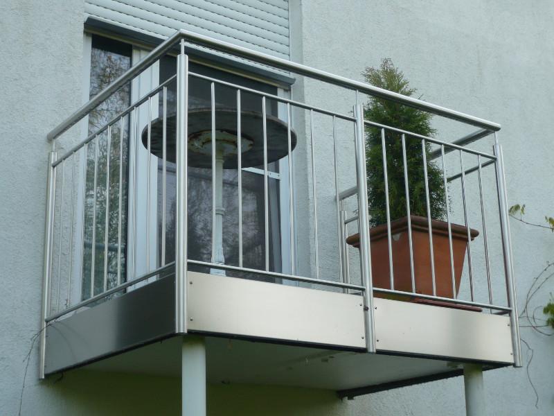 balkon_geissler_edelstahl_stabgeländer_beispiel_02ESs