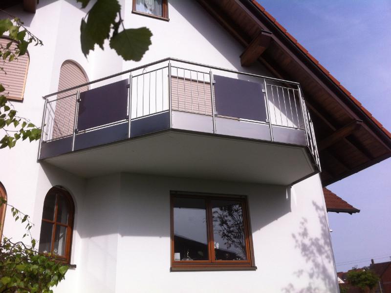 balkon_geissler_edelstahl_stabgeländer_mit_glas_beispiel_01ESG