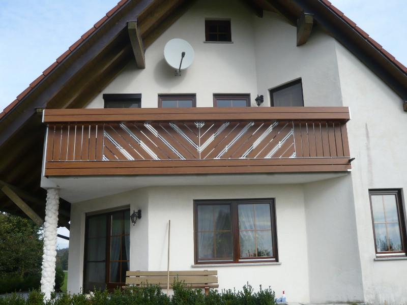 balkon_geissler_kunststoff_holzdekor_dekor_beispiel_05KHDe