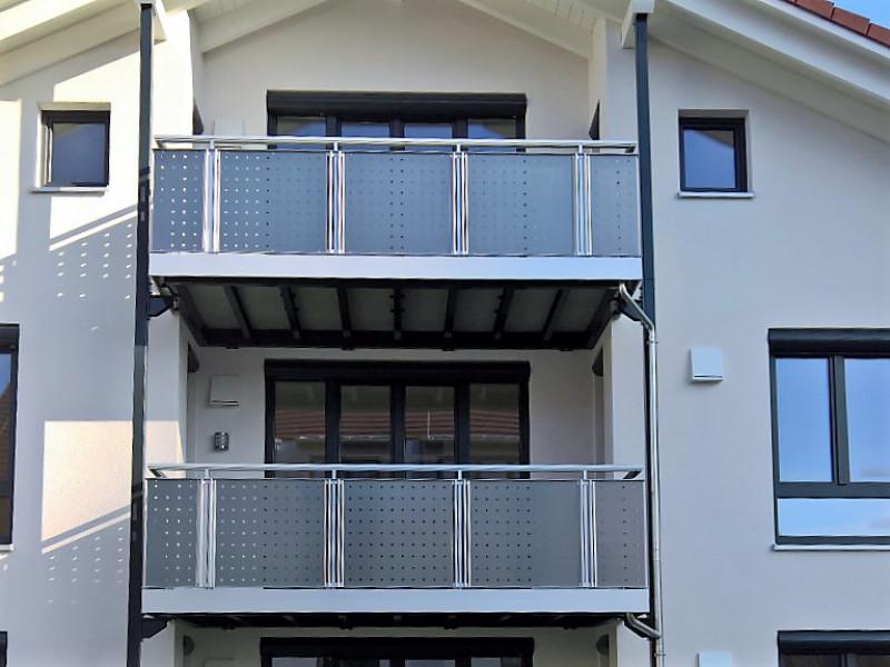 balkon_geissler_mehrfamilienhaus_aluminium_beispiel_01MB