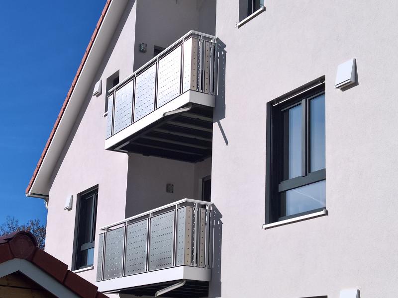 balkon_geissler_mehrfamilienhaus_aluminium_beispiel_03MB