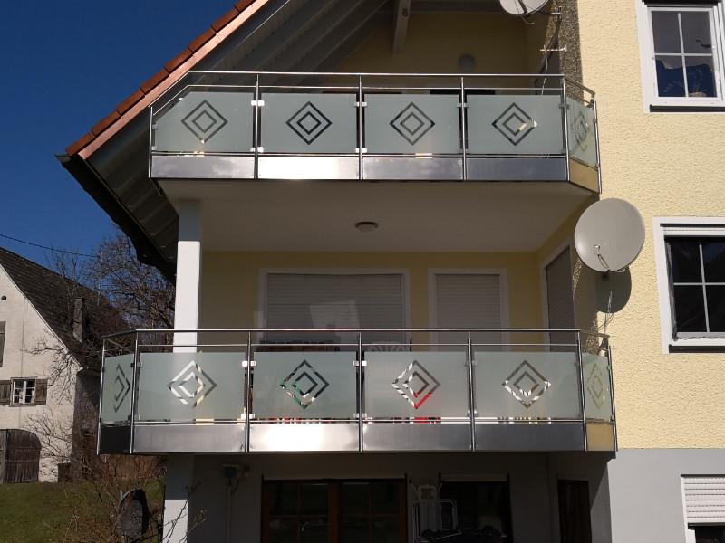 balkon_geissler_merhfamilienhaus_mit_glas_04MG