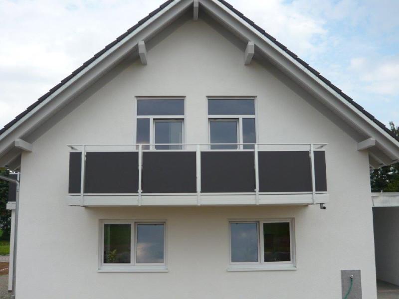 balkon_geissler_nacolanplatten_anthrazit_zwischen_pfosten_beispiel_08