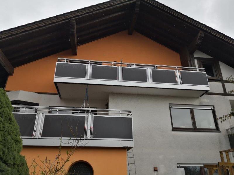 balkon_geissler_nacolanplatten_anthrazit_zwischen_pfosten_beispiel_10