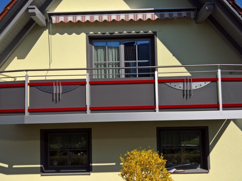 balkon_geissler_nacolanplatten_anthrazit_zwischen_pfosten_beispiel_13