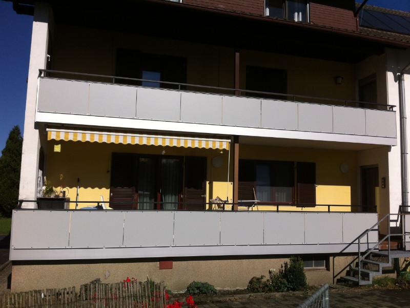 balkon_geissler_nacolanplatten_auf_bestandsgeländer_beispiel_03