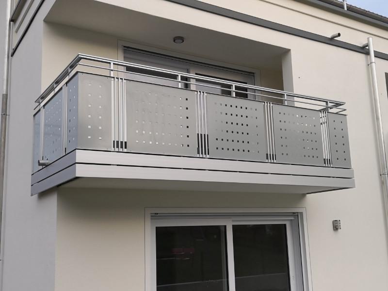balkon_geissler_aluminium_blech_vorne_durchlaufend_beispiel_14AB