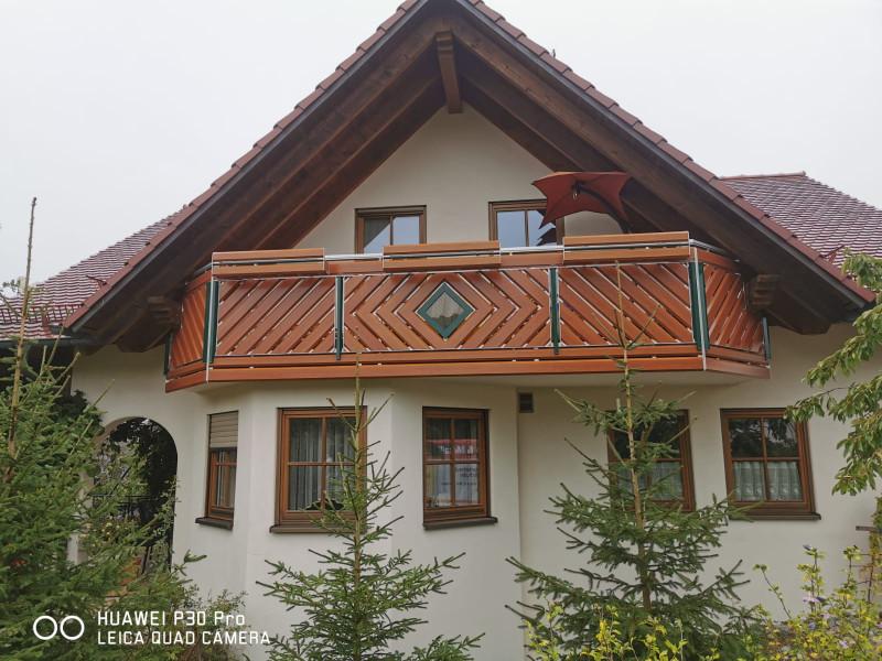 balkon_geissler_aluminium_holzdekor_diagonal_beispiel_14AHdi
