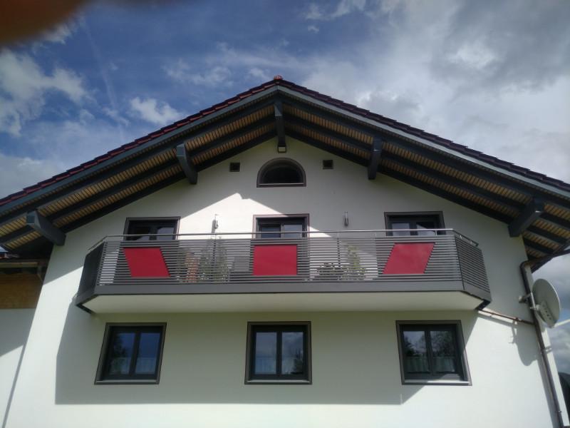 balkon_geissler_aluminium_pulverbeschichtet_quer_beispiel_24APq