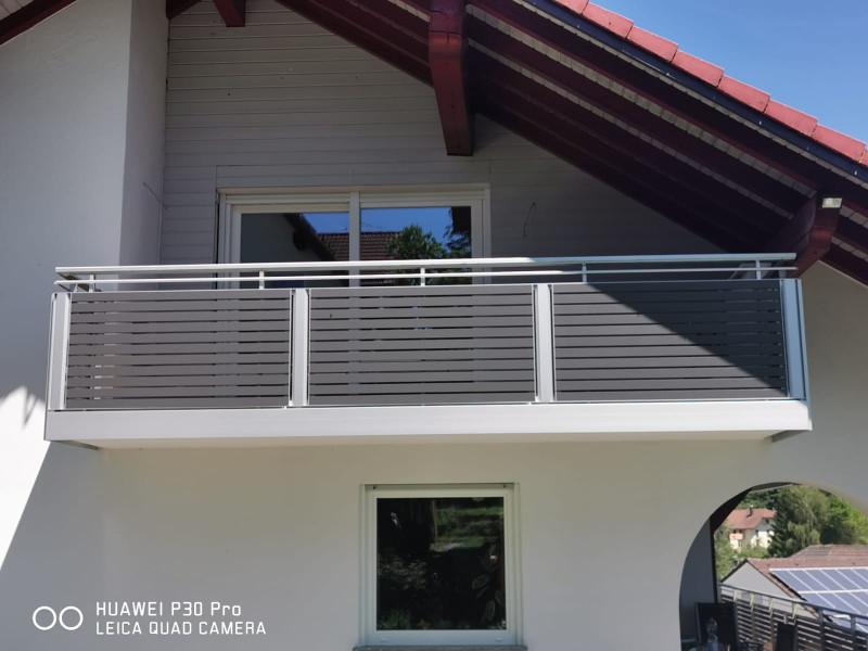 balkon_geissler_aluminium_pulverbeschichtet_quer_beispiel_25APq