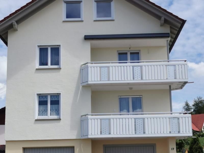 balkon_geissler_aluminium_pulverbeschichtet_senkrecht_beispiel_15APs