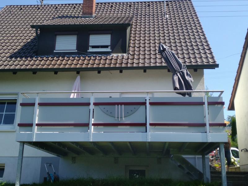 balkon_geissler_nacolanplatte_zwischen_den_pfosten_beispiel_05
