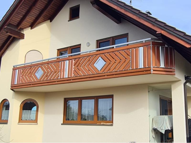 balkon_geissler_aluminium_holzdekor_dekor_beispiel_18AHde