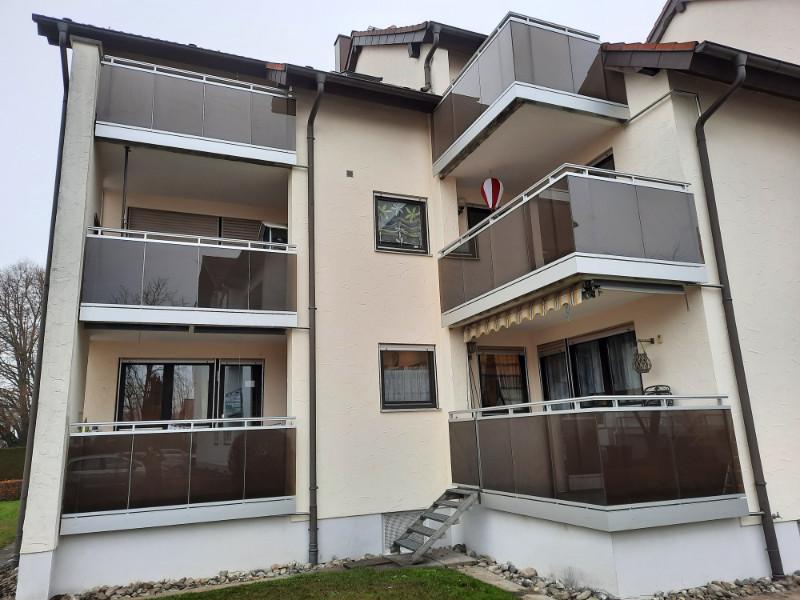 balkon_geissler_mehrfamilienhaus_aluminium_mit_glas_beispiel_07MG