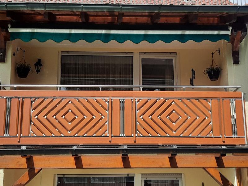 balkon_geissler_aluminium_holzdekor_dekor_beispiel_20AHde