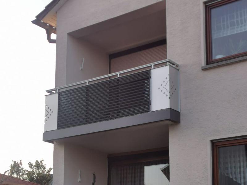 balkon_geissler_aluminium_pulverbeschichtet_dekor_beispiel_17APde