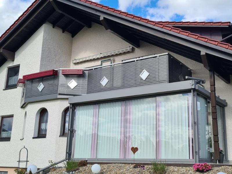 balkon_geissler_aluminium_pulverbeschichtet_dekor_beispiel_18APde