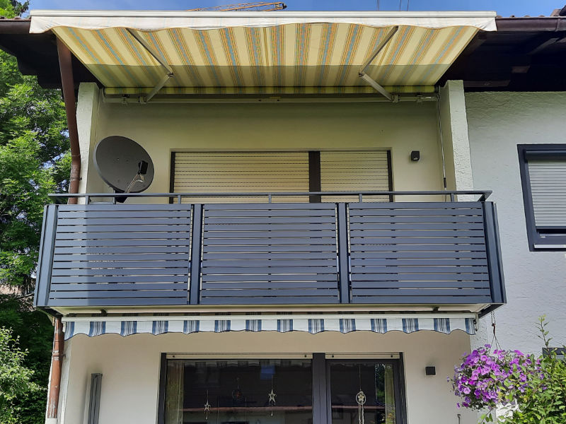 balkon_geissler_aluminium_pulverbeschichtet_quer_beispiel_31APq